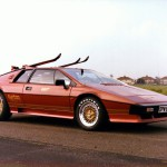 Lotus-Esprit-Turbo-Roger-Moore-as-James-Bond-in-For-Your-Eyes-Only-on-rallyhaus
